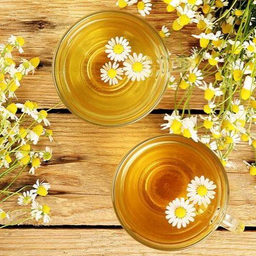 Mật bí cách pha trà hoa cúc mật ong đơn giản, tốt cho sức khỏe